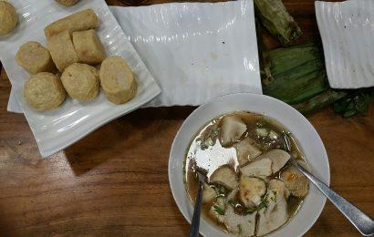 Kuliner Pempek Palembang Enak Yang Mesti Kamu Coba Kalau Berkunjung ke Palembang