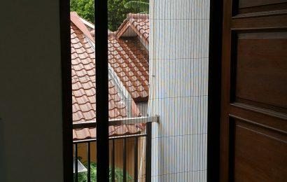 Panduan Cara Pasang Pintu Lipat Kawat Nyamuk Berlokasi di Jakarta