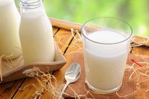 7 Manfaat Susu Bagi Kesehatan Tubuh dan Kecantikan Kulit & Wajah